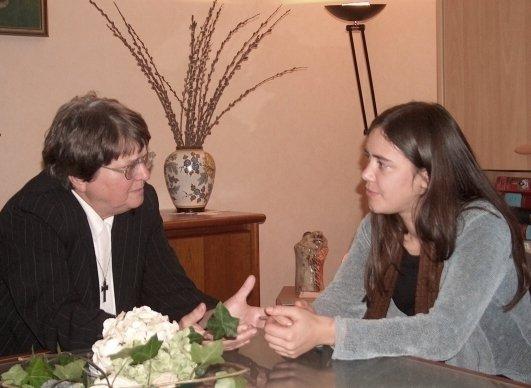 Helen Prejean, activiste tegen de doodstraf, in gesprek met Joke Van Damme, Antwerpen.