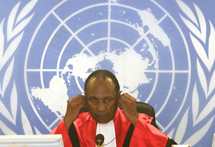 Rechter Lloyd Williams tijdens een zitting op het Internationaal Crimineel Tribunaal voor Rwanda (ICTR), Arusha.